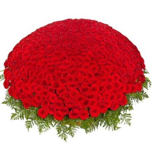Купить на заказ Заказать 301  роза с доставкой по Уральску с доставкой в Уральске