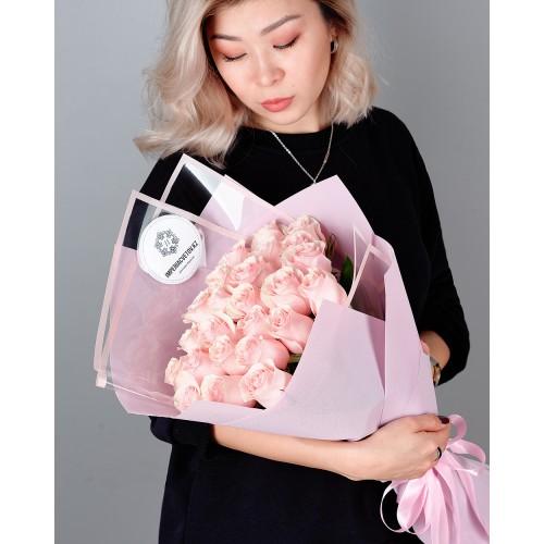 Купить на заказ Заказать Букет из 25 розовых роз с доставкой по Уральску с доставкой в Уральске