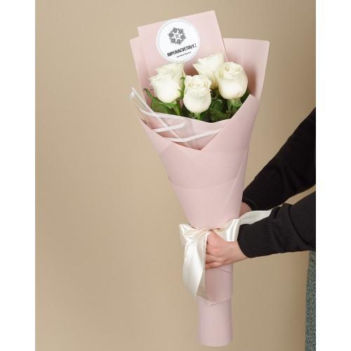 Купить на заказ Заказать Букет из 5 роз с доставкой по Уральску с доставкой в Уральске