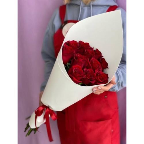 Купить на заказ Букет из 11 красных роз с доставкой в Уральске