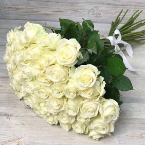 Купить на заказ Заказать Букет из 51 белой розы с доставкой по Уральску с доставкой в Уральске