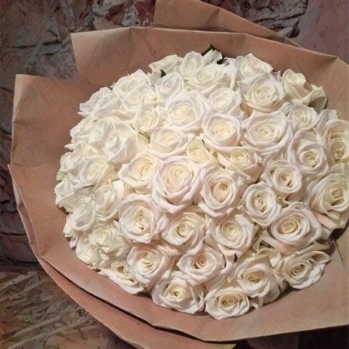Купить на заказ Заказать Букет из 101 белой розы с доставкой по Уральску с доставкой в Уральске
